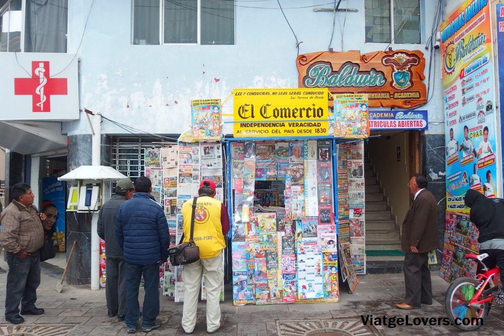 Nos encantan estos quioscos...la prensa peruana no tiene desperdicio