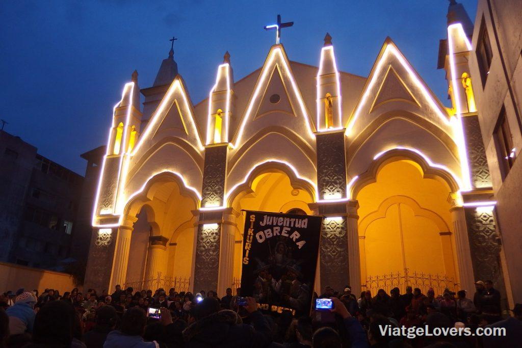 Ofrenda de la Juventud Obrera a la Virgen de la Candelaria