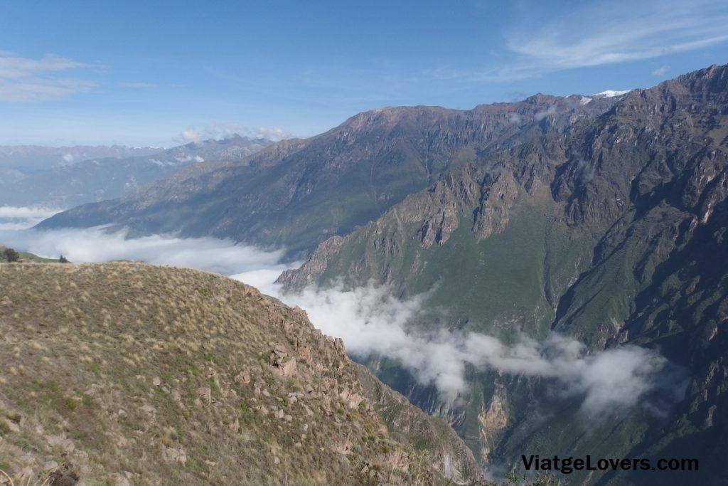 Vistas desde el mirador de la Cruz del Cóndor, Cañón del Colca