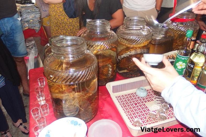 Licores de serpiente en Laos, special economic zone