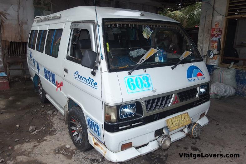 """Transporte """"público"""" en Sumatra"""