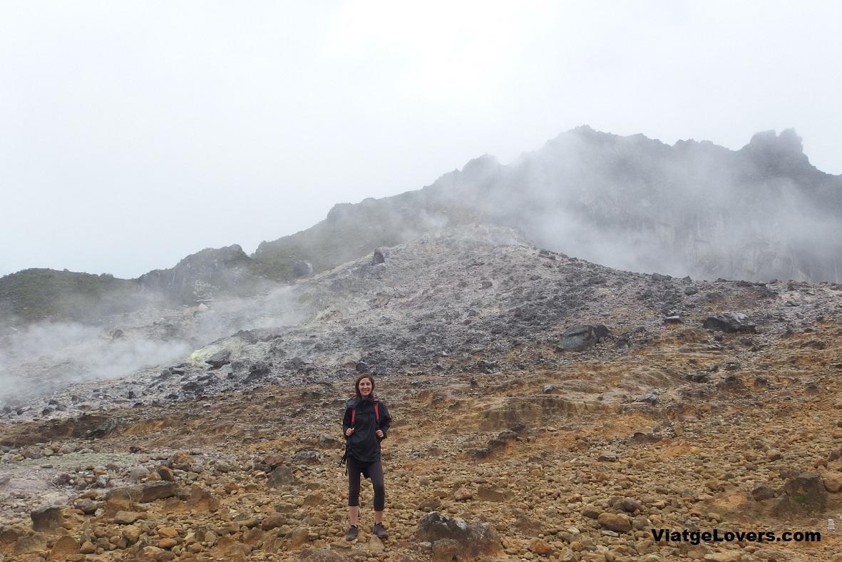 Acercándonos al cráter del Sibayak