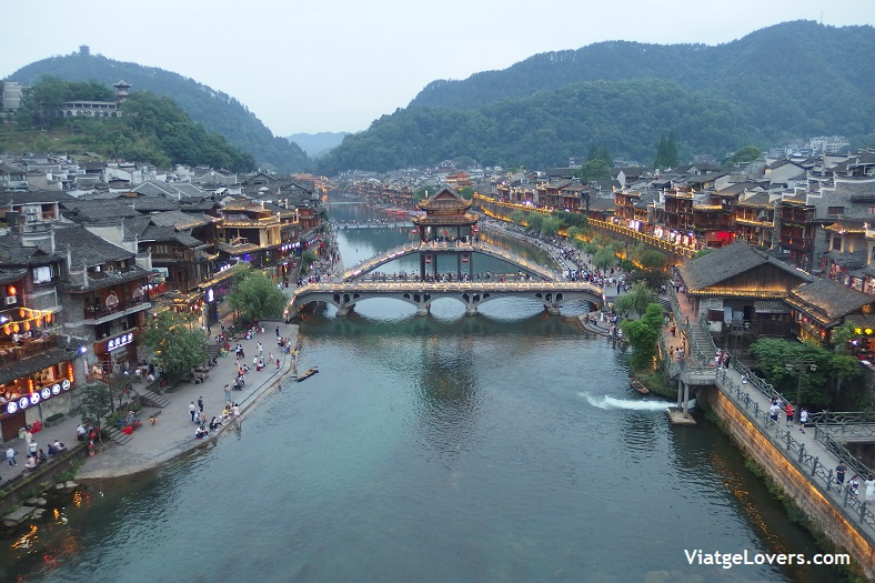 Fenghuang, China. Vuelta al mundo-ViatgeLovers.com