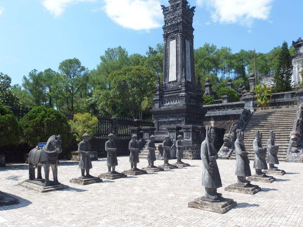 Tumbas Imperiales de Hué. Vietnam -ViatgeLovers.com