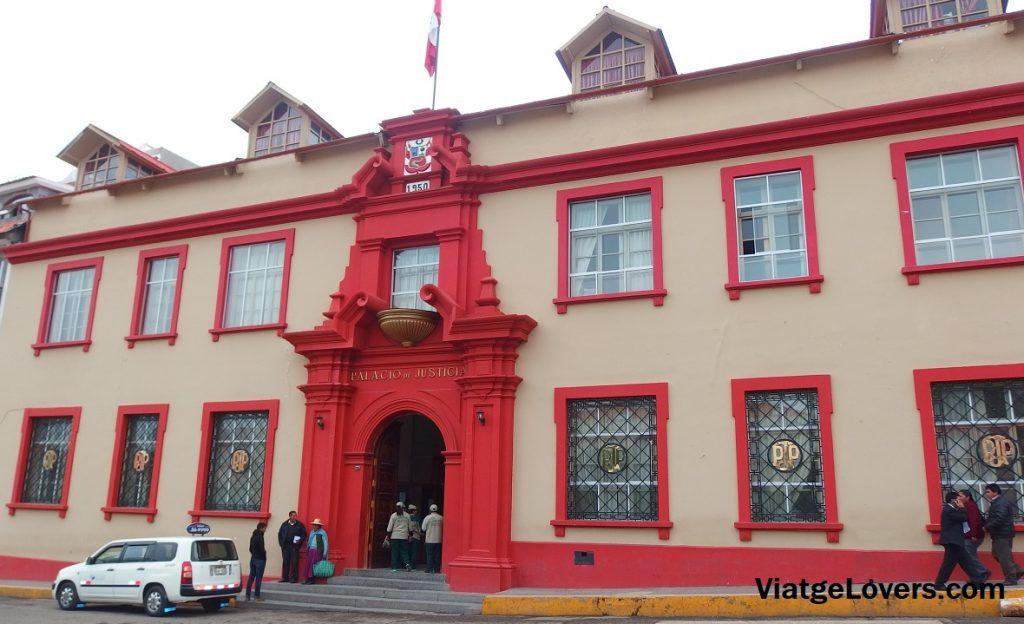 Plaza de armas de Puno. Perú -ViatgeLovers.com