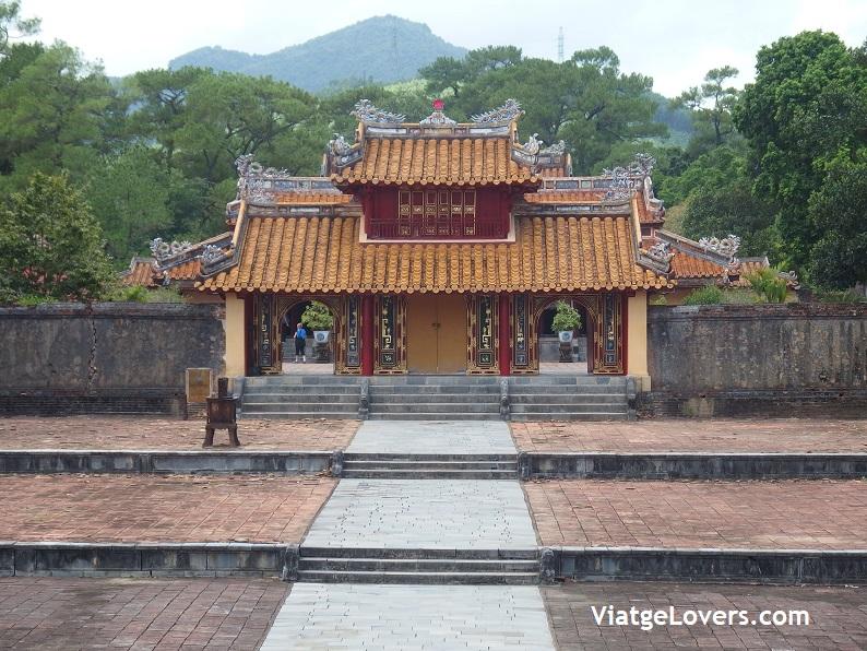 Tumbas Imperiales. Vietnam -ViatgeLovers.com