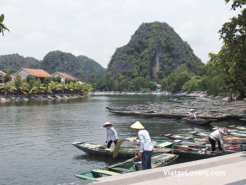 Tam Coc. Vietnam -ViatgeLovers.com