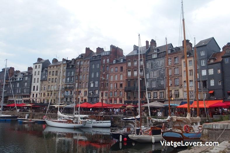 Honfleur -Normandía y Bretaña en coche -ViatgeLovers.com